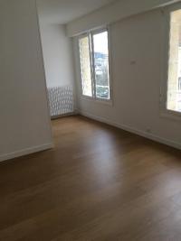 rénovation et agencement  d'un appartement à DEAUVILLE 14800 (plomberie ,chauffage,parquet,peinture,électricité,salle de bain et cuisine).