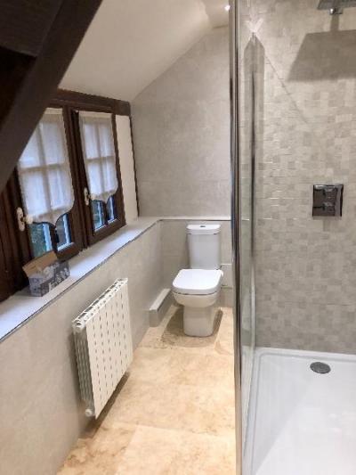 rénovation et transformation d'une salle de bain en salle de douche dans une maison DEAUVILLE 14800