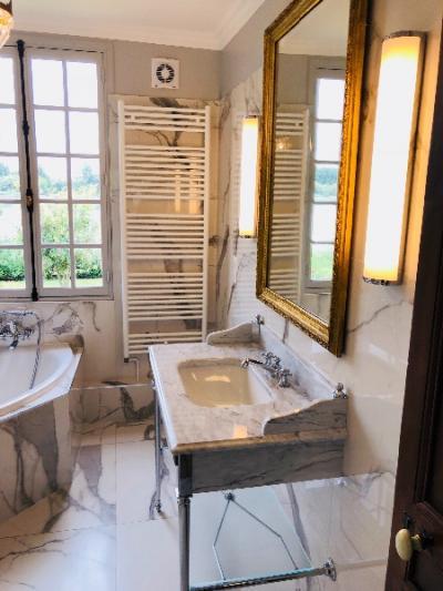 rénovation et decoration d'une salle de bain en salle de douche dans une maison à vieux port 27680