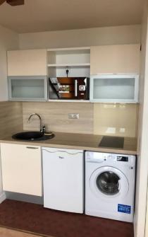 Rénovation complète d'une kitchenette dans un appartement à BENERVILLE SUR MER 14910