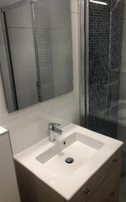 Rénovation et décoration d'une salle de douches à SAINT-GATIEN DES BOIS 14130